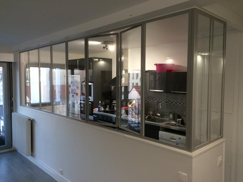 cloison vitrée cuisine ouvrant epoxy